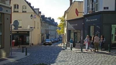 Montfort L'Amaury centre