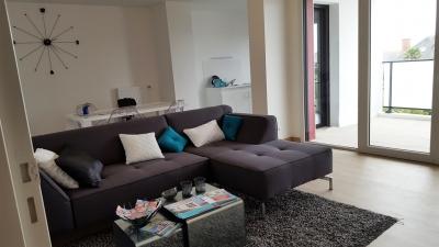 Salon et vue du balcon, Villa Obione T3